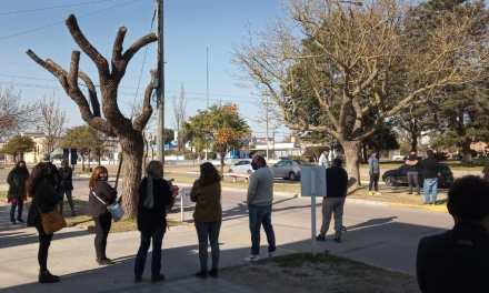 Comerciantes reunidos con el Intendente solicitan la apertura de sus comercios