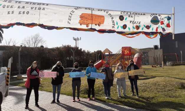 Pasacalles por el Día del estudiantes – los profes saludaron a los alumnos del IPEA 291