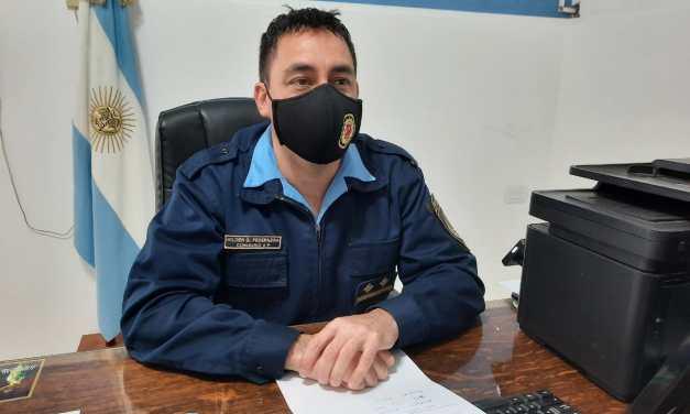 Aíslan a efectivo policial al haber detenido a un joven con Covid positivo