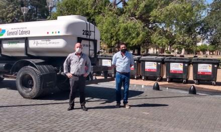 Nuevos contenedores y camión regador