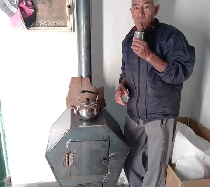 Pedro Hassenei recibió de regalo una estufa para su hogar