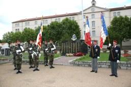 drapeau du regiment et des amicales 2