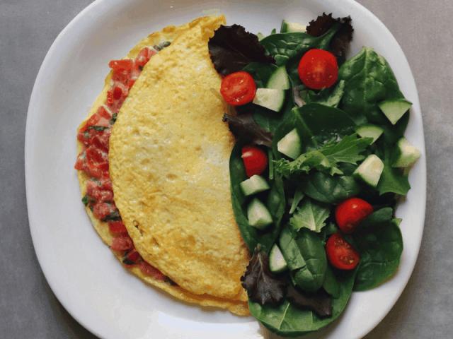 Low FODMAP Bruschetta Omelet