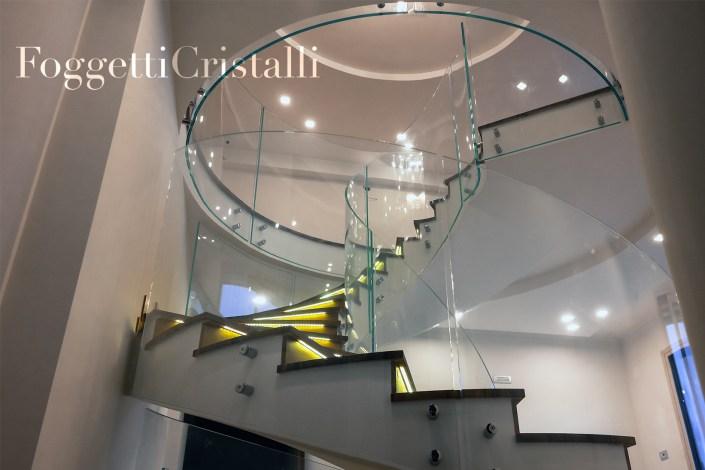 interno-scale-di-vetro