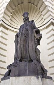 statue of Rabbi Loew