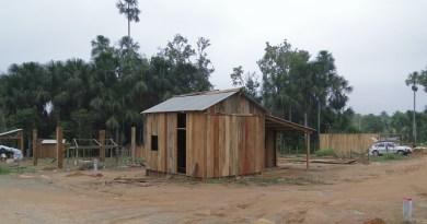 Barracos construídos no Local da invasão