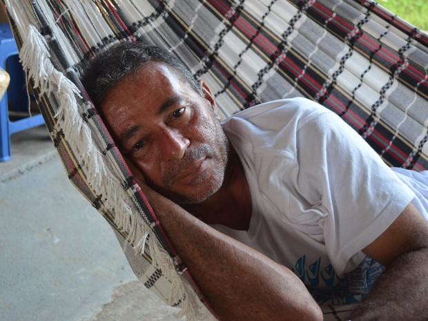 O piloto Raimundo Lima, de 56 anos, contou que os mais de 20 anos de experiência na profissão ajudaram para sobrevivência do grupo (Foto: Emily Costa/G1)