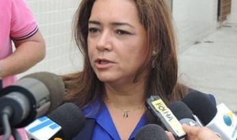 Primeira a falar, promotora Eliane Gaia acredita que a  participação dos três  foi igual (Foto: Katherine Coutinho/G1)