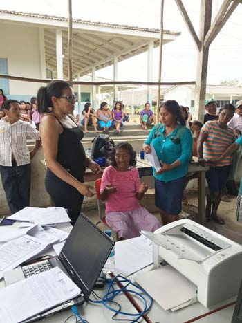 Emissão de documentos aos índios Munduruku
