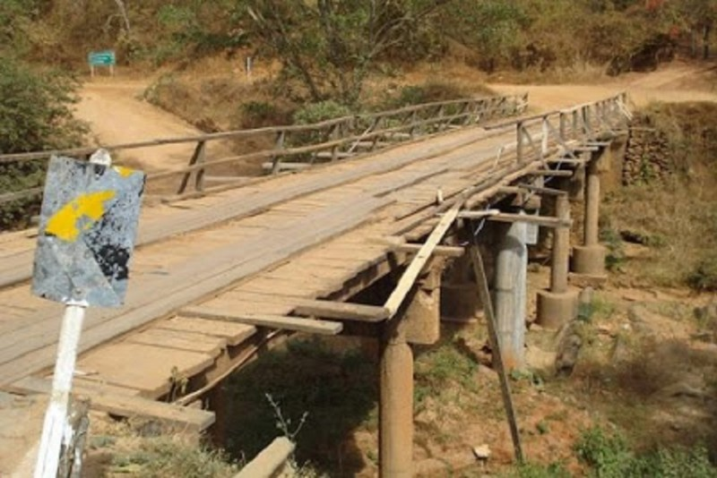 Ponte sem rio (Foto Ilustrativa Internet)