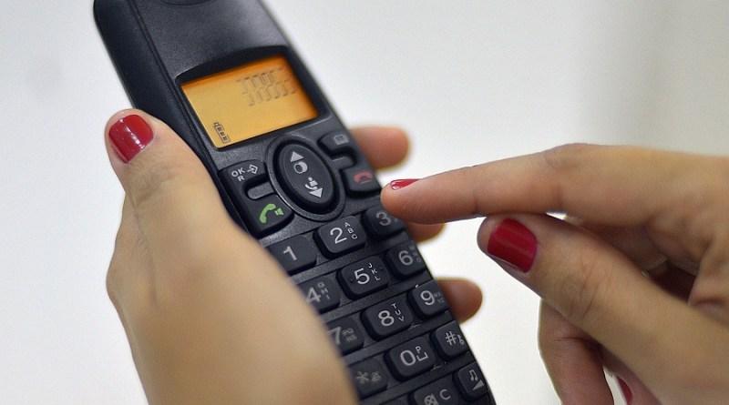 telefone02