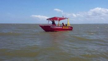 Barco com doze pastores naufraga na baía do Marajó, no Pará ...