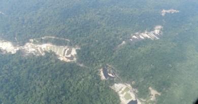 Vista aérea do garimpo. (Crédito: Rodrigo Cambará Pprintes)
