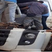 Motorista fica preso às ferragens após bater na traseira de caminhão na rodovia BR-163 em Novo Progresso