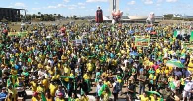 Movimento-pro-Moro-e-Lava-Jato-em-Brasilia-do-dia-30-de-junho