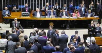 Deputados-reunidos-no-plenario-da-Camara