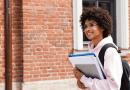 Pesquisa mostra que estudantes com bolsa de estudo tiveram nota mais alta