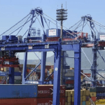 Balança comercial tem superávit de US$ 4,713 bi em março