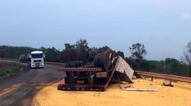 acidente-carreta-morte-2-990x556