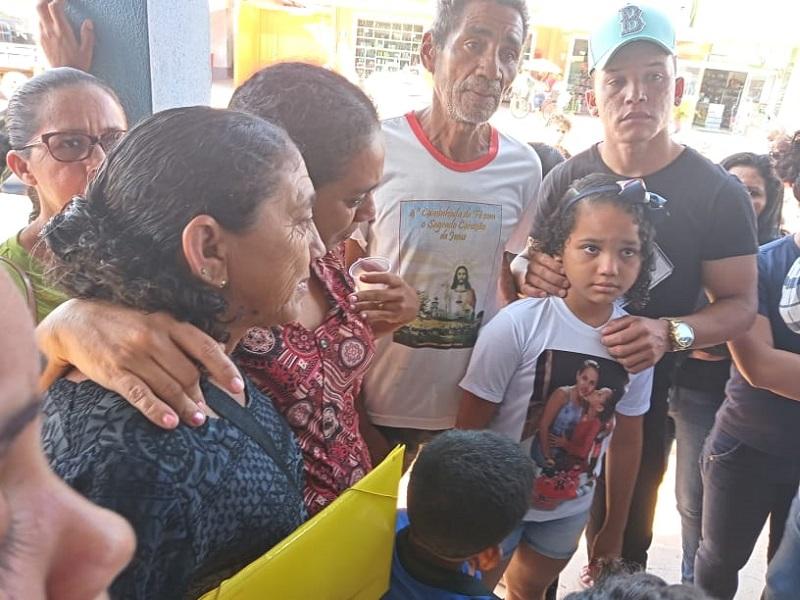 Familia da vitima Marinete castro participou do protesto (Foto:Adria Karoline para Jornal Folha do Progresso)