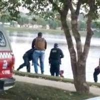 Policia Militar resgata homem com transtornos mentais dentro do lago municipal