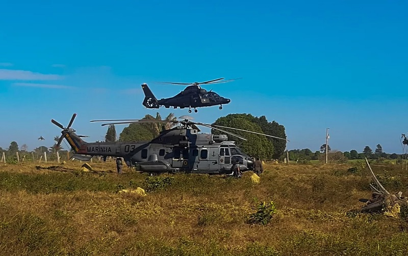 Militares inutilizam instalações de suporte ao garimpo e desmatamento ilegal em terra indígena no Pará. — Foto: Reprodução / Comando Conjunto Norte