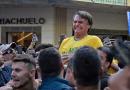 Impeachment e facada: a política brasileira de pernas pro ar