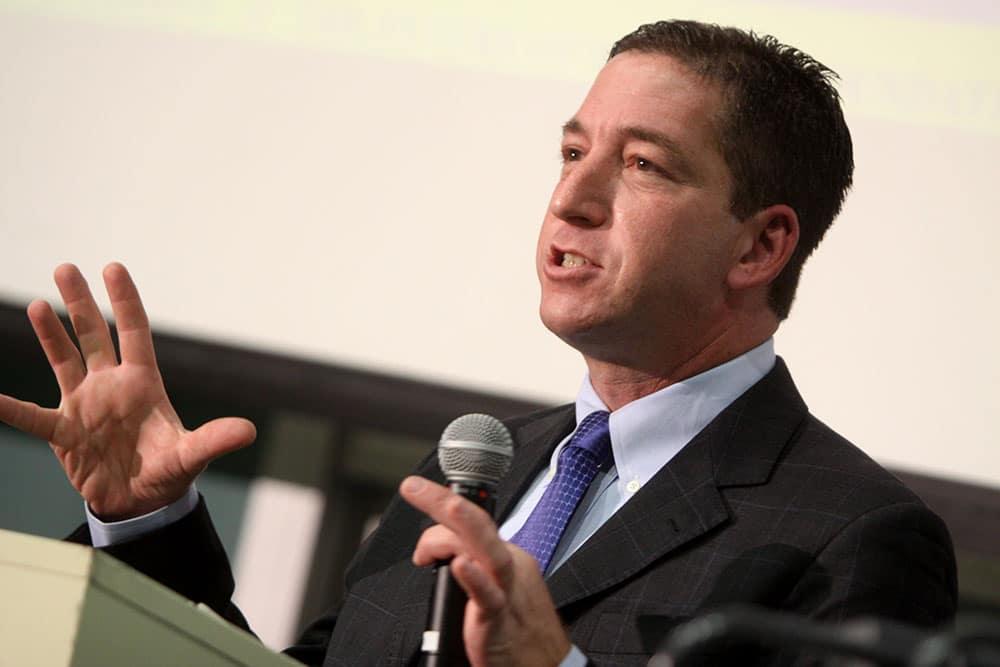 IFJ exige cessação imediata de perseguições e ameaças contra Glenn Greenwald
