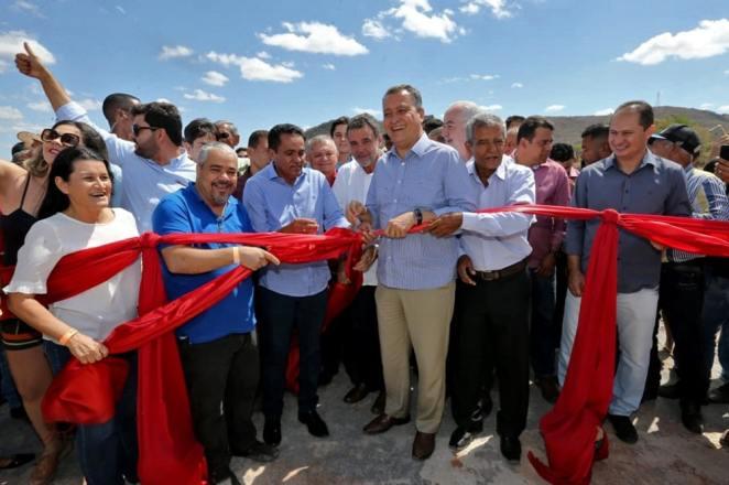 Governador da Bahia inaugura CAPS em Correntina e entrega viaturas para 16 cidades da região. Foto: Alberto Coutinho/GOVBA