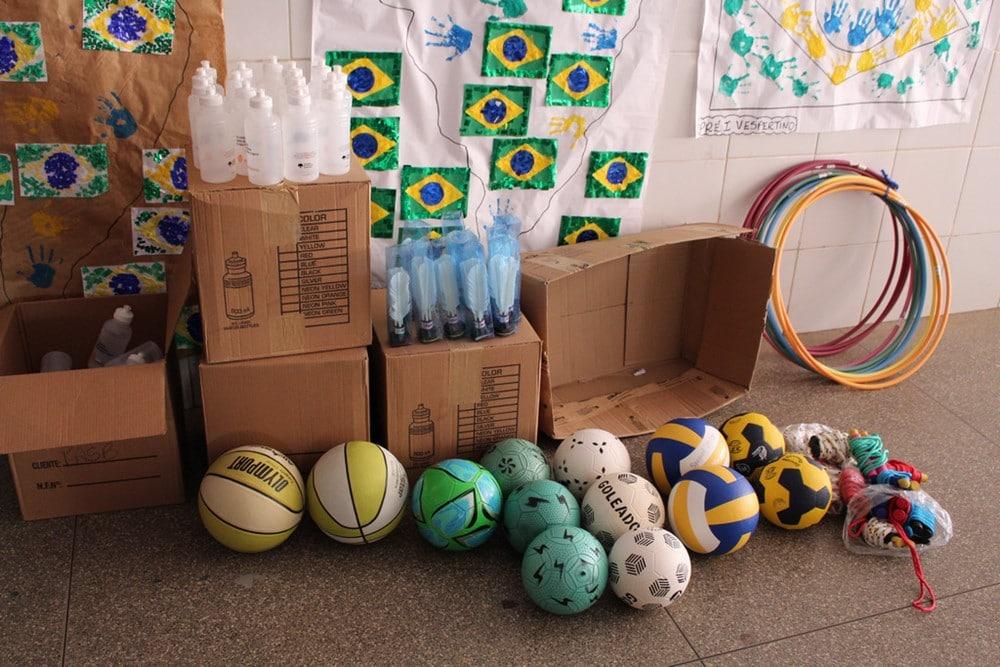 UNIFASB faz doação de squeezes e material esportivo para mais uma escola pública de Barreiras