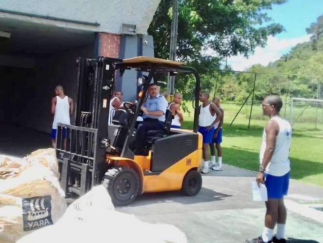 Descarregamento dos bags em Salvador. Foto: Divulgação