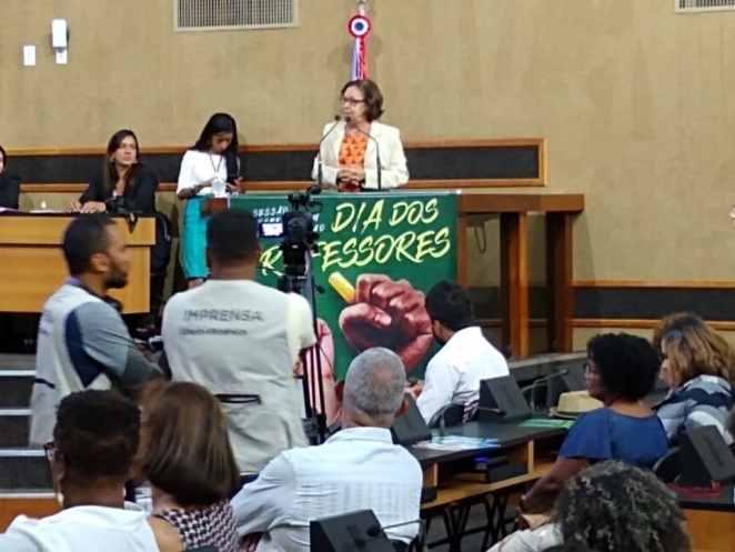 Lídice da Mata critica atuação do governo na educação do país durante sessão especial na Alba. Foto: Divulgação