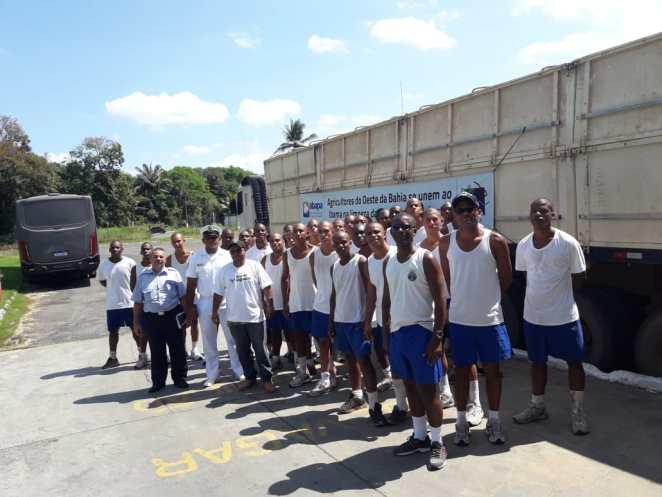 Recebimento dos bags pela Marinha. Foto: Divulgação