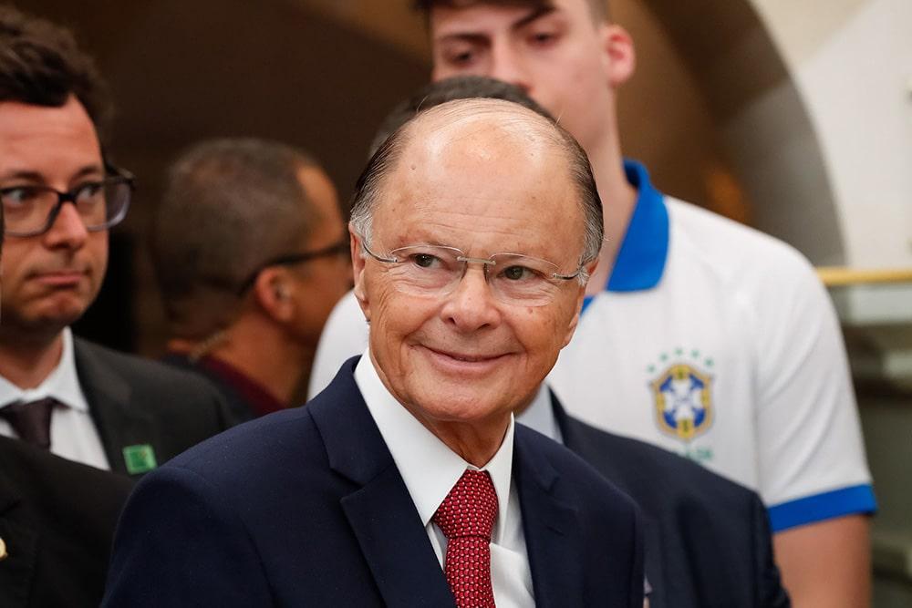 """Edir Macedo atribui a dois ex-bispos brasileiros um """"golpe"""" em Angola"""