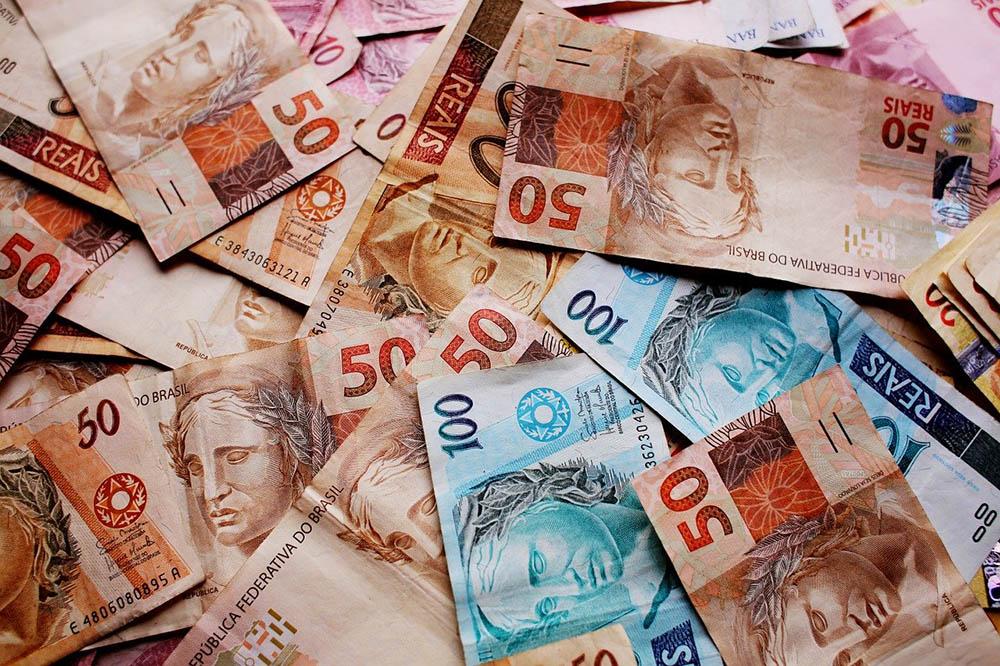 5 maneiras de conseguir dinheiro e sair do SPC/Serasa