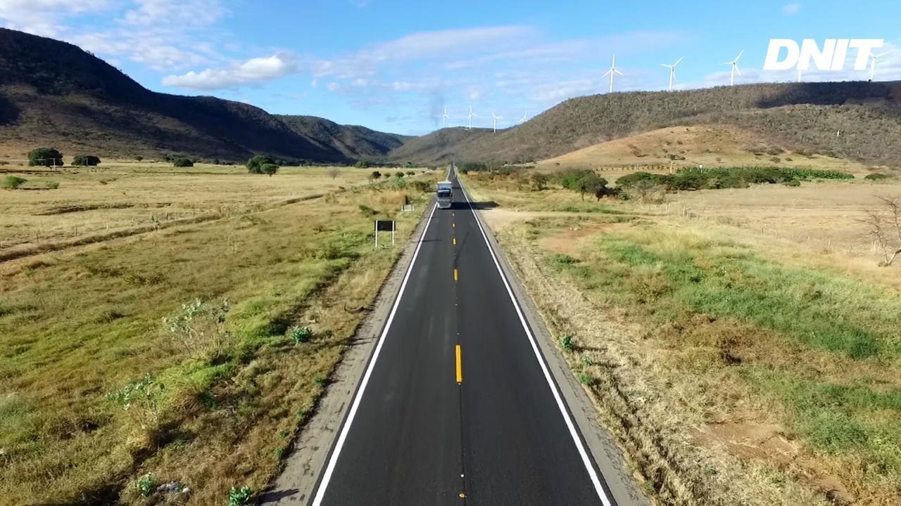 Governo Federal entrega 84 quilômetros de pista recuperada na BR-030/BA