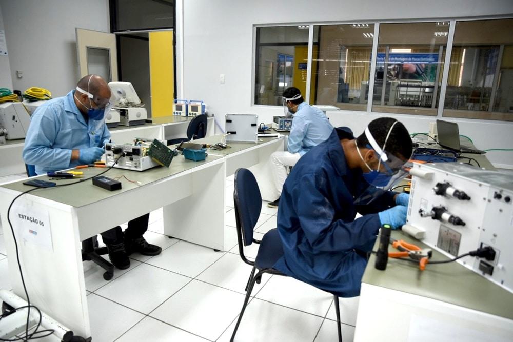 Mais de 2 mil respiradores mecânicos já foram reparados no país a partir de uma iniciativa da Bahia