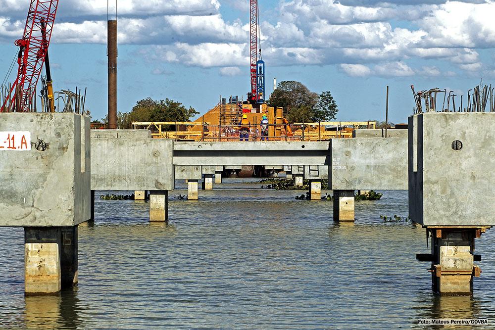 Governador da Bahia faz vistoria em obras da nova ponte sobre o Rio São Francisco