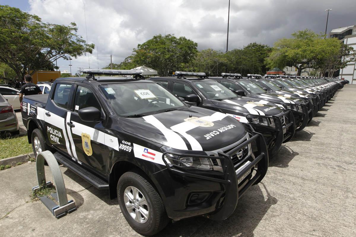 Governo da Bahia entrega 60 viaturas para atender população de 39 municípios