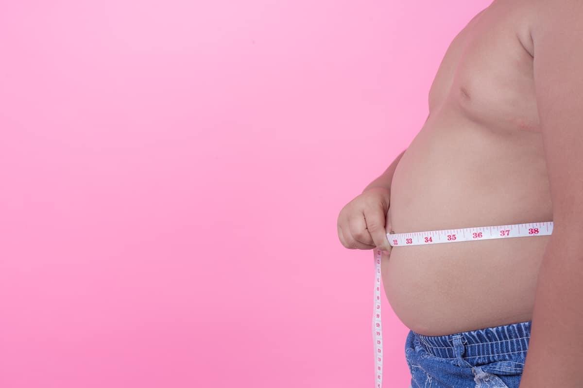 Obesidade, diabetes e problemas cardíacos causaram dois terços das internações por Covid-19, afirma estudo