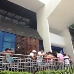 Fim da greve dos bancos começa com fila na manhã desta terça-feira