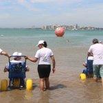 """Mais de 120 pessoas atendidas pelo Projeto """"Praia Acessível"""""""