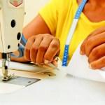 Oficinas de corte, costura e pintura de graça em Guarapari