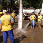 Vias de Alfredo Chaves recebem limpeza após fortes chuvas