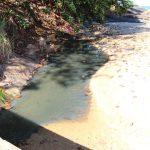 Prefeitura recupera orla da Praia do Riacho, mas esgoto ainda é lançado no local