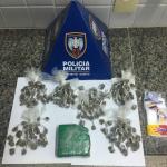 Mais de 80 buchas de maconha apreendidas no bairro Jabaraí, em Guarapari