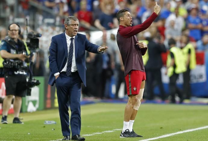 CR7 líder? Ex-jogador português critica postura do craque na decisão da Euro