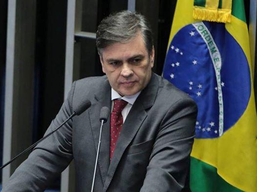 Cássio Cunha Lima continua recebendo cartas com ameaças de morte