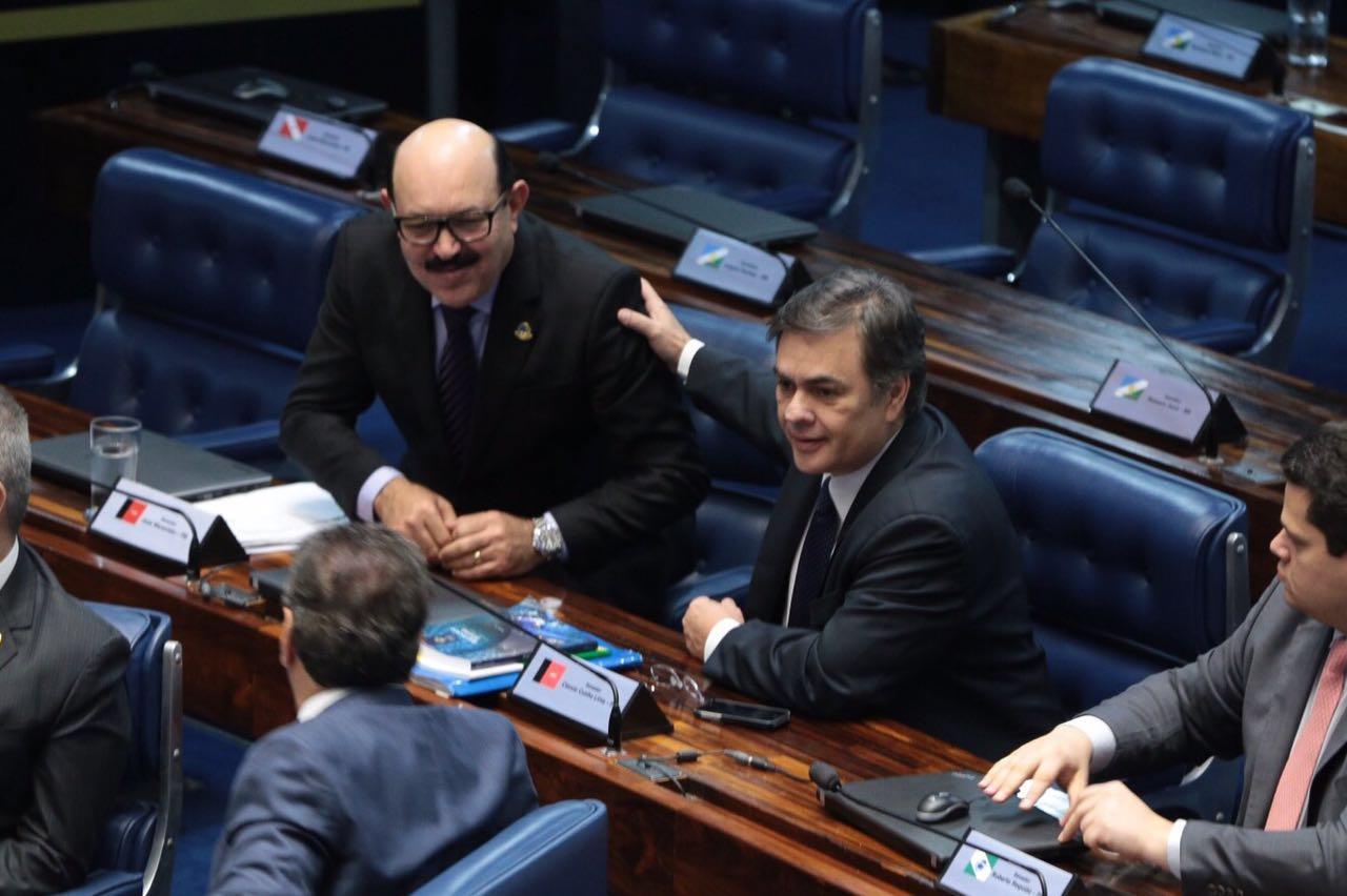 Cássio tira licença do Senado e Deca assume mandato por 119 dias