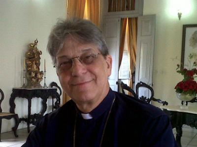 Arquidiocese suspende padre e monsenhores ligados a Dom Aldo